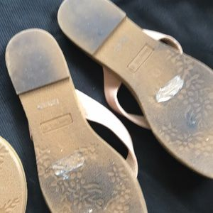 651a760717d210 sunny feet Shoes - 2 Pairs of Sunny Feet Flip Flops